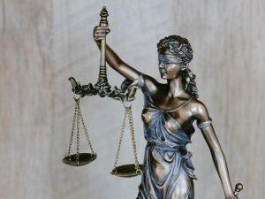 La justice est aveugle
